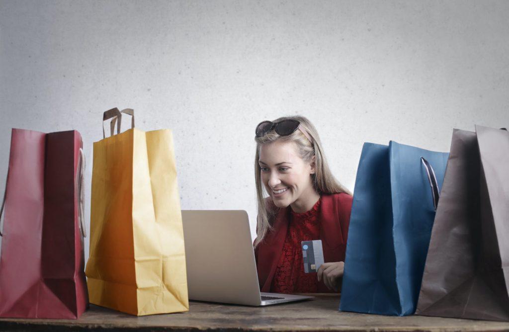 Ilustrasi Online Shopping yang meningkat seiring pandemi