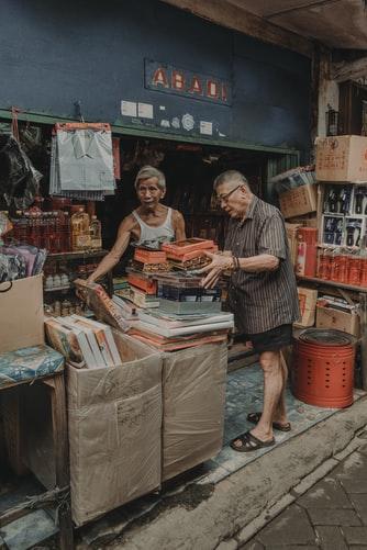 Pasar Tradisional di Indonesia masih mengandalkan uang tunai